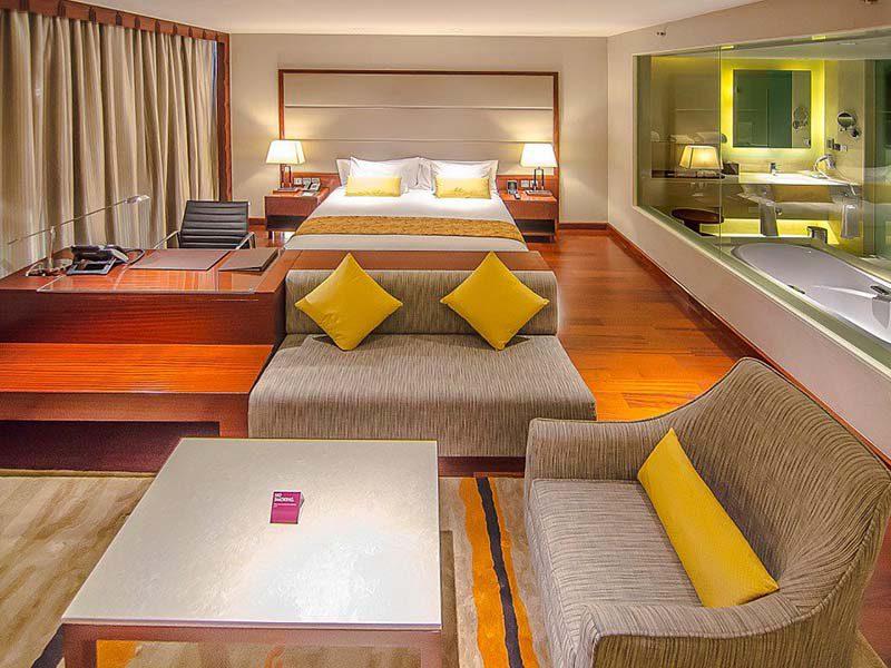 crown-plaza-hotel-kerala-kochi-3
