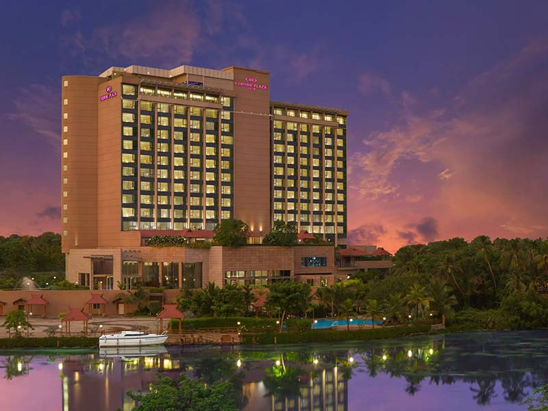 crown-plaza-hotel-kerala-kochi-10